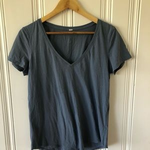 Lululemon V-neck tshirt